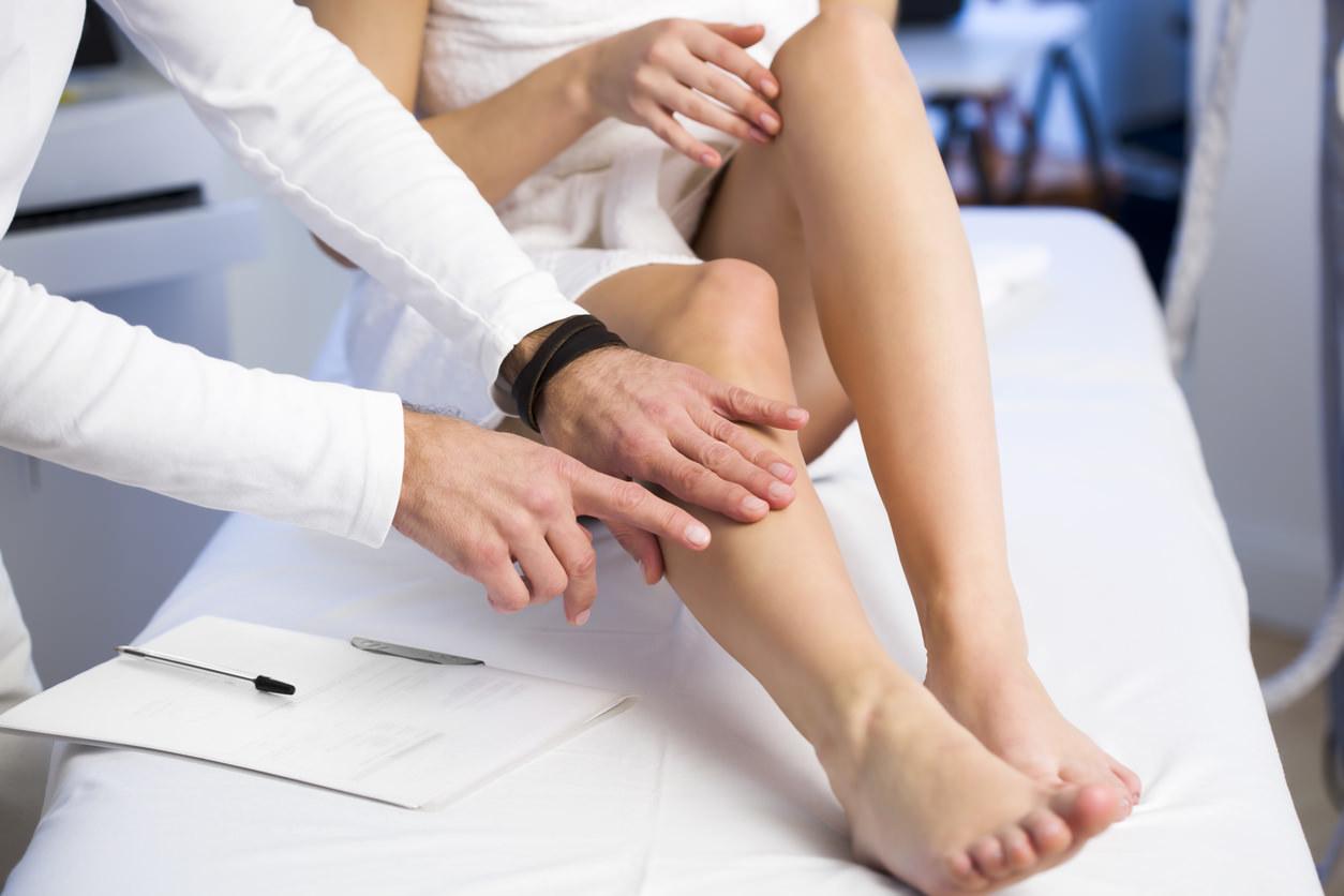 Consulta venosa con el médico cvr piernas