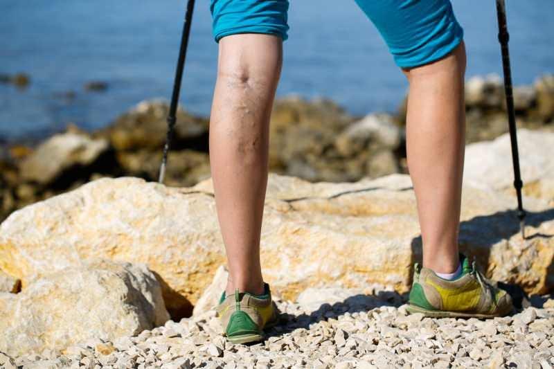 piernas bonitas senderismo al aire libre