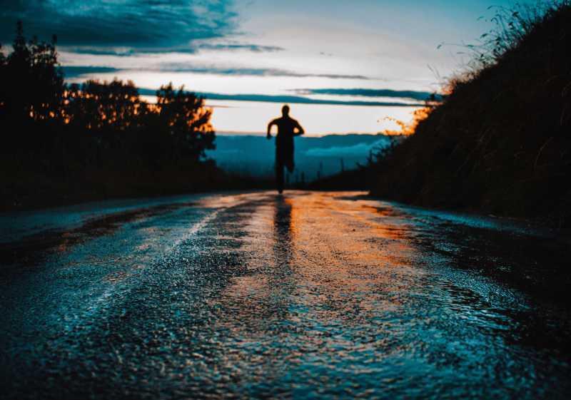 running outside for skin health